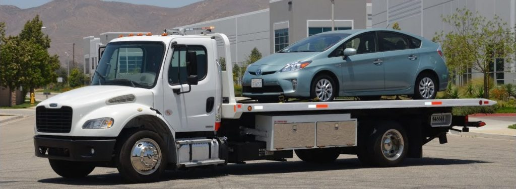 Hiring Truck Towing Services for Your Emergency Solutions
